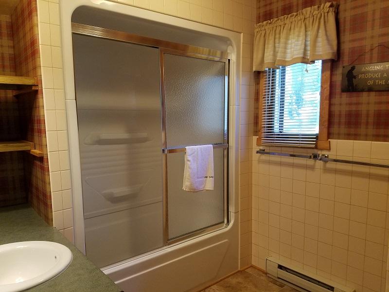 Cottage-5-Bathroom1