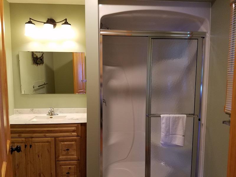 Cottage-5-Bathroom2