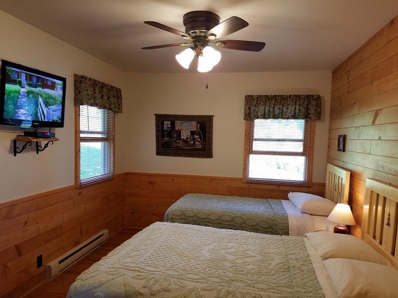 Cottage-5-Big-Bedroom2
