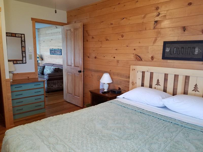 Cottage-5-Queen-Bedroom1
